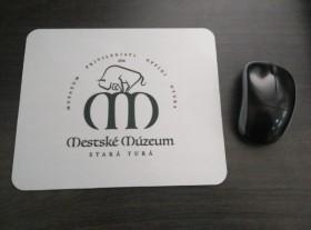 Podložky pod myš s logom firmy